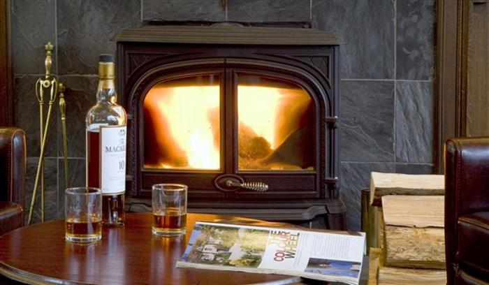 133A2466 Fireside Whisky Close (1)_608x355